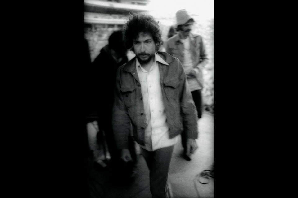 blurry image of bob dylan